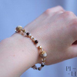 2/60$ bracelet with natural garnet gemstones